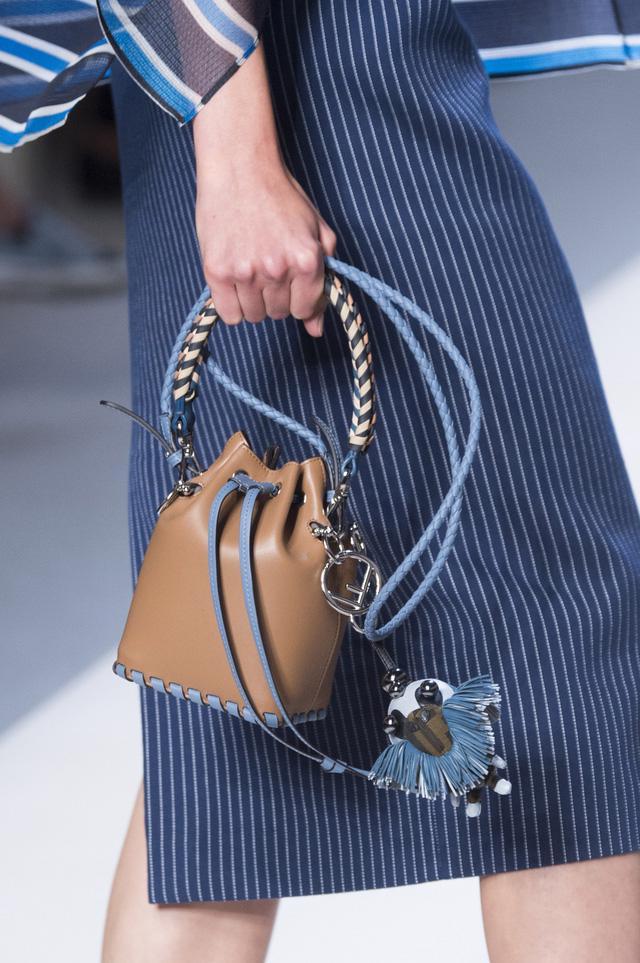 5 kiểu túi không thể thiếu trong tủ đồ mùa hè - Ảnh 11.