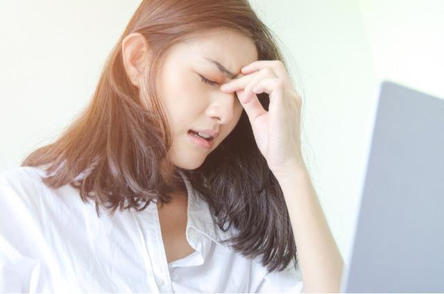 Các biện pháp giúp bạn ngăn cơn đau nửa đầu - Ảnh 1.