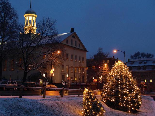 Giáng sinh vắng vẻ tại mọi thành phố trên thế giới - Ảnh 6.