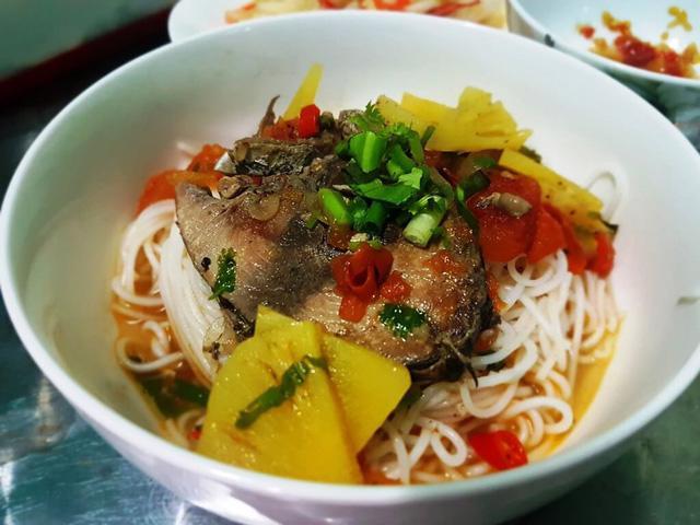 Bún cá ngừ um – đậm đà hương vị xứ Quảng - Ảnh 2.