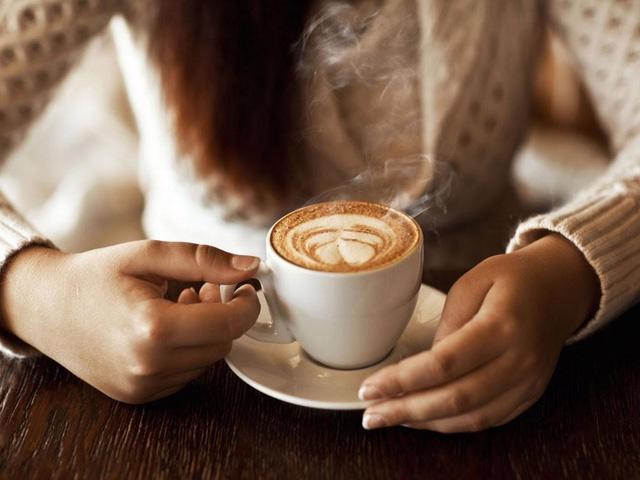 Uống từ 3 đến 4 tách cà phê mỗi ngày có thể giúp sống lâu hơn - Ảnh 2.
