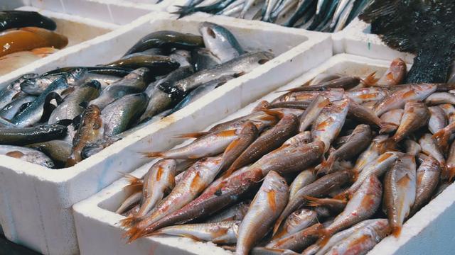 Chọn mua cá biển ngon và an toàn - Ảnh 1.