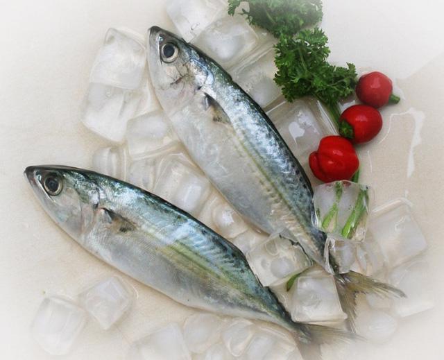 Chọn mua cá biển ngon và an toàn - Ảnh 2.