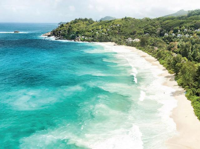 Cam Ranh: núi xanh, biển trong lành - Ảnh 1.