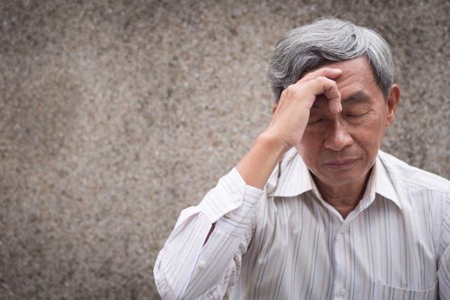 Giao mùa và lưu ý sức khỏe cho người cao tuổi - Ảnh 3.