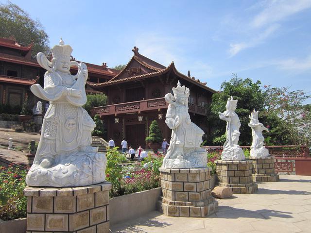 Thăm làng bè Châu Đốc mùa nước nổi - Ảnh 2.