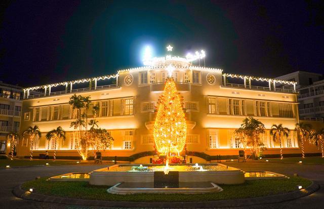 Đón Giáng sinh ở các khách sạn và khu nghỉ dưỡng từ Bắc vào Nam - Ảnh 3.