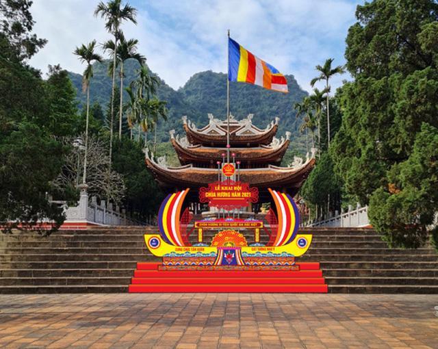 Tháng Giêng không lễ hội, đền chùa cửa đóng then cài - Ảnh 3.