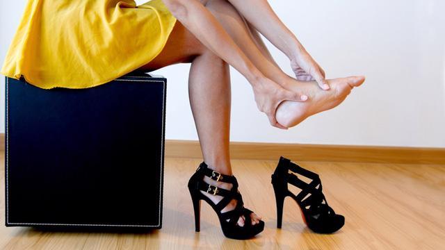 5 thói quen công sở ảnh hưởng đến sức khỏe - Ảnh 1.