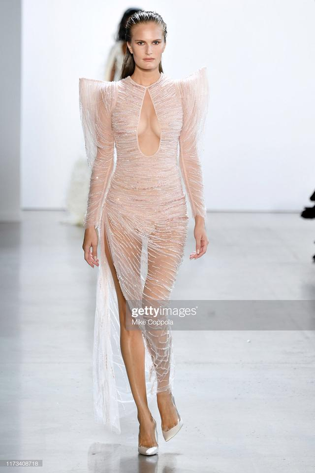BST Xuân – Hè 2020 của Công Trí thành công tại New York Fashion Week - Ảnh 2.
