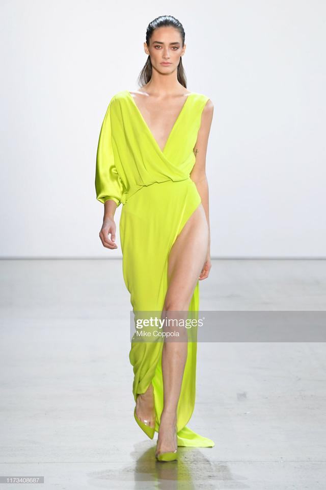 BST Xuân – Hè 2020 của Công Trí thành công tại New York Fashion Week - Ảnh 7.