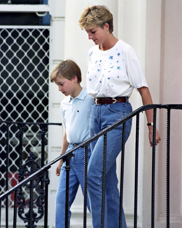 Những trang phục street style truyền cảm hứng của Công nương Diana - Ảnh 5.