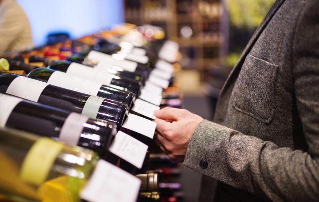 Thực trạng rượu, bia dịp Tết và cách nhận biết rượu giả - Ảnh 1.