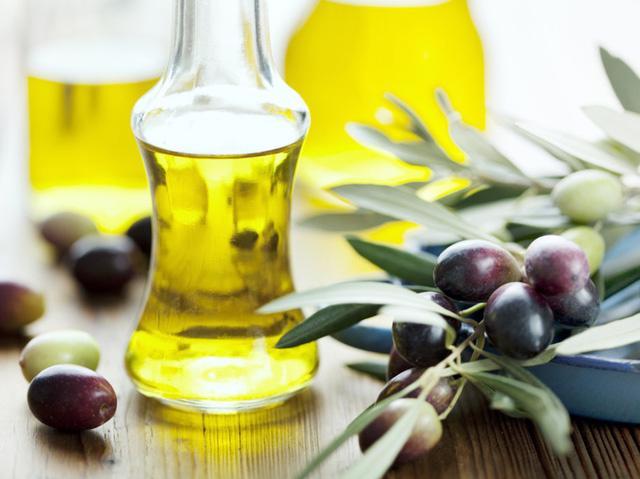 5 loại tinh dầu tốt nhất cho làn da đẹp - Ảnh 3.