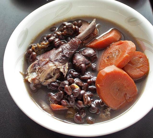 3 món từ đậu đen ăn thay cơm để giải nhiệt - Ảnh 1.