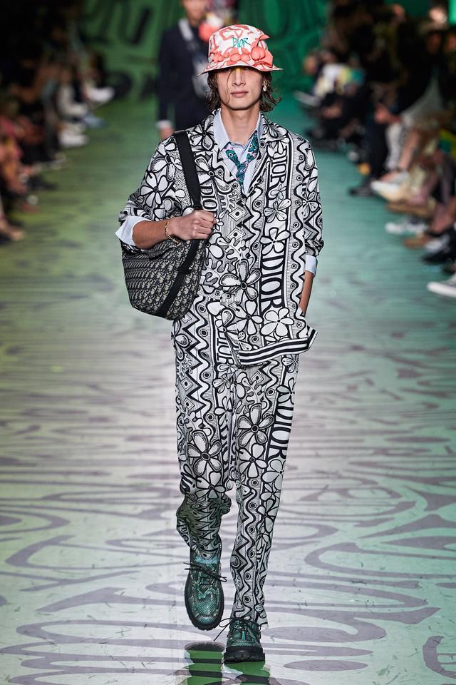 BST pre-fall 2020 dành cho nam giới của Dior: sắc màu biển nhiệt đới - Ảnh 6.