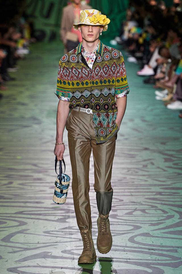 BST pre-fall 2020 dành cho nam giới của Dior: sắc màu biển nhiệt đới - Ảnh 2.