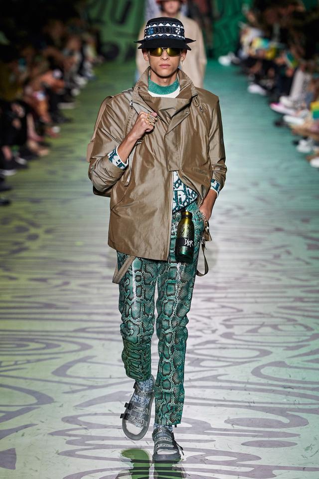 BST pre-fall 2020 dành cho nam giới của Dior: sắc màu biển nhiệt đới - Ảnh 15.