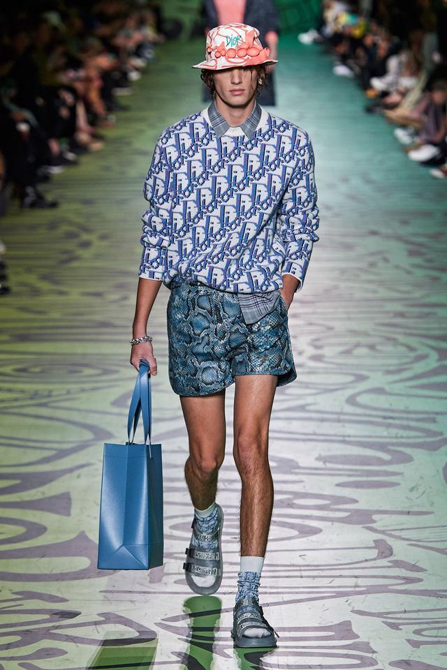 BST pre-fall 2020 dành cho nam giới của Dior: sắc màu biển nhiệt đới - Ảnh 16.
