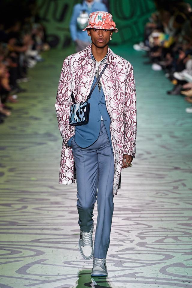 BST pre-fall 2020 dành cho nam giới của Dior: sắc màu biển nhiệt đới - Ảnh 9.
