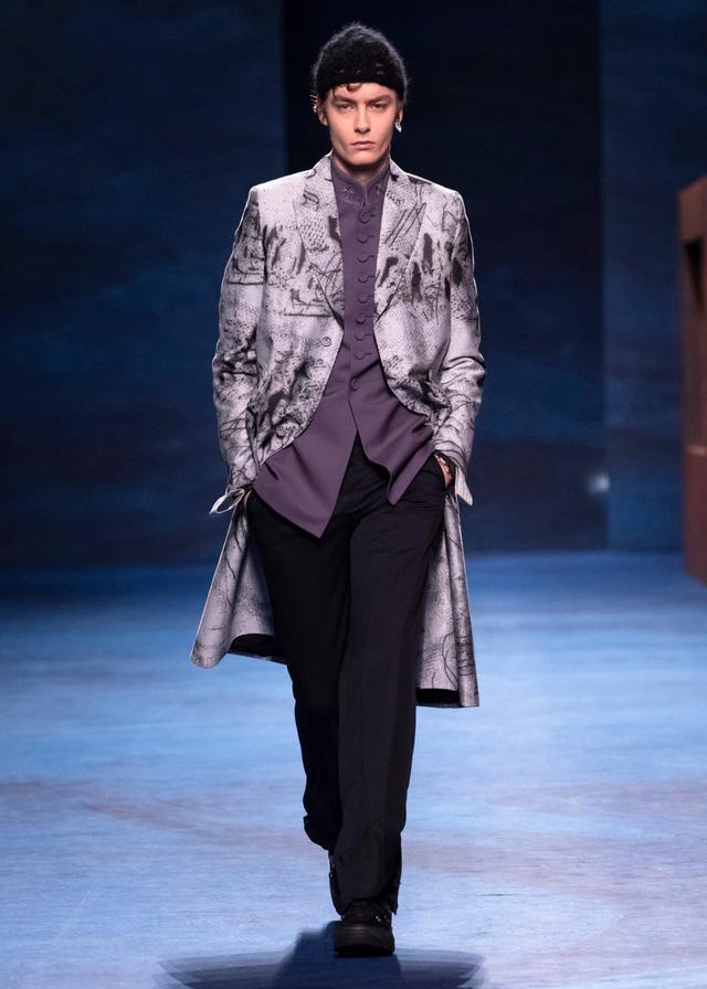 Dior Thu - Đông 2021: cuộc đối thoại giữa nghệ thuật và thời trang - Ảnh 2.