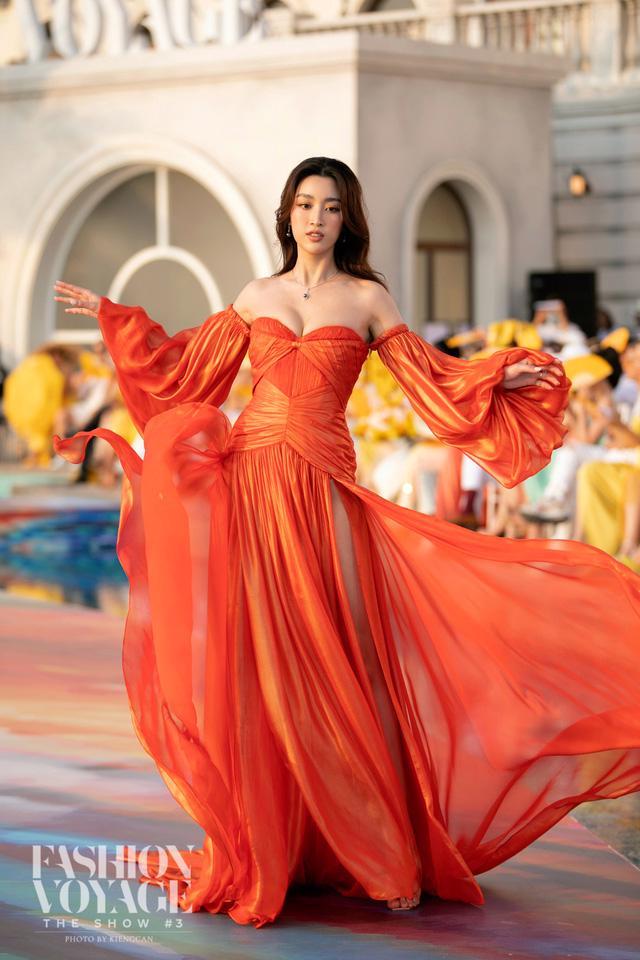 Dàn Hoa hậu, Á hậu tỏa sáng tại Fashion Voyage - Ảnh 2.