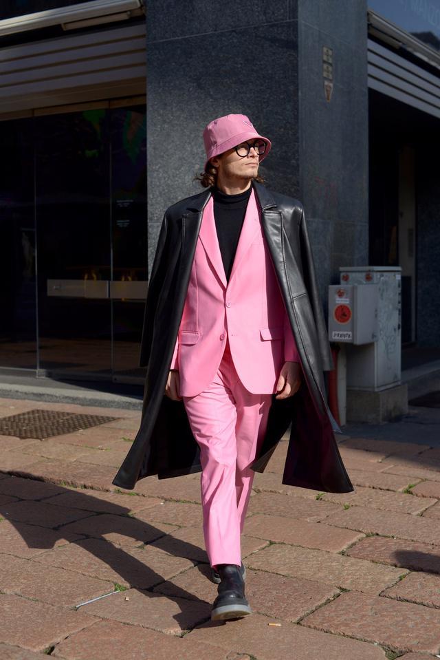 Trang phục đường phố đẹp nhất Milan Fashion Week: áo khoác da phủ sóng - Ảnh 10.