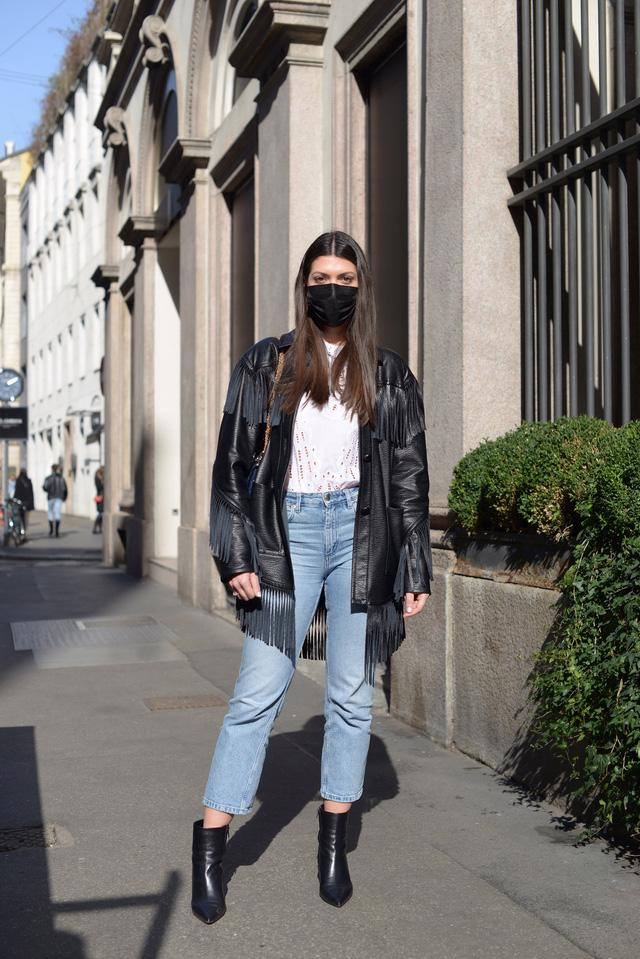 Trang phục đường phố đẹp nhất Milan Fashion Week: áo khoác da phủ sóng - Ảnh 9.