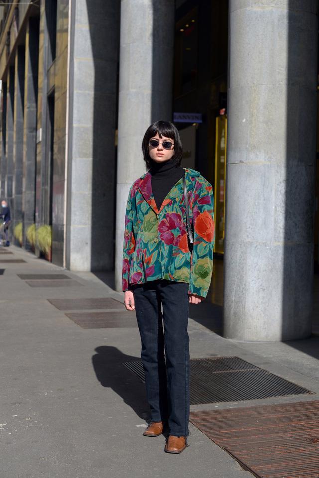 Trang phục đường phố đẹp nhất Milan Fashion Week: áo khoác da phủ sóng - Ảnh 8.