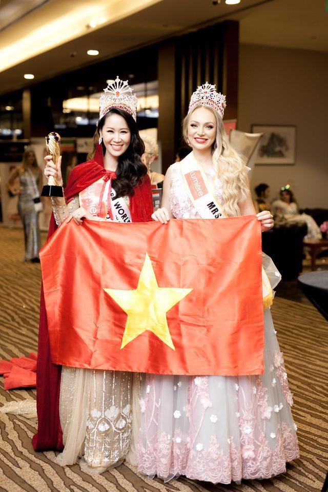 Dương Thùy Linh đăng quang Hoa hậu Phụ nữ Toàn thế giới 2018 - Ảnh 2.