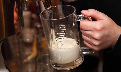 9 tác hại của rượu bạn cần biết - Ảnh 1.