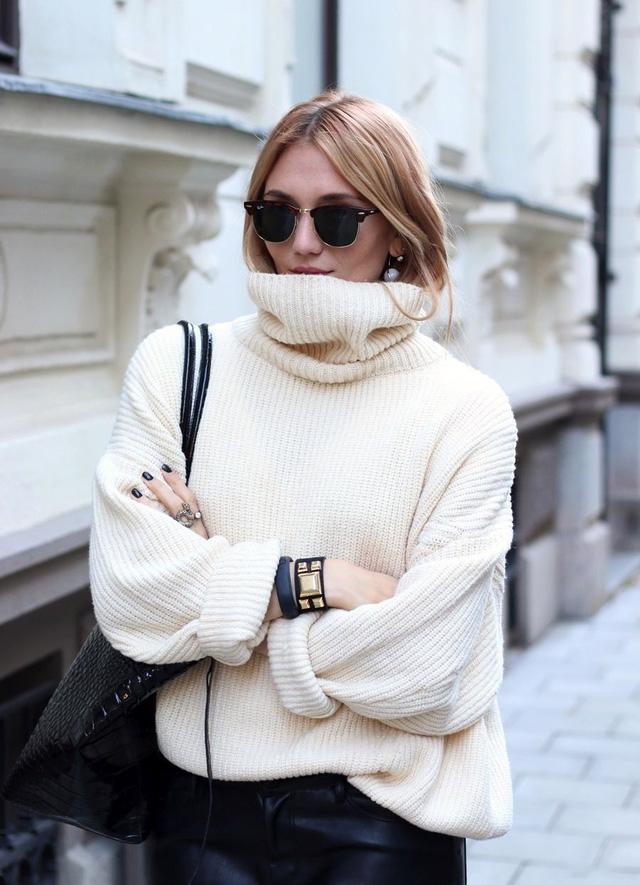 9 món đồ màu trắng bạn hoàn toàn có thể diện trong mùa đông - Ảnh 4.