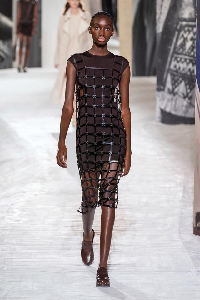 7 xu hướng thời trang từ sàn diễn Paris Xuân Hè 2021 - Ảnh 11.