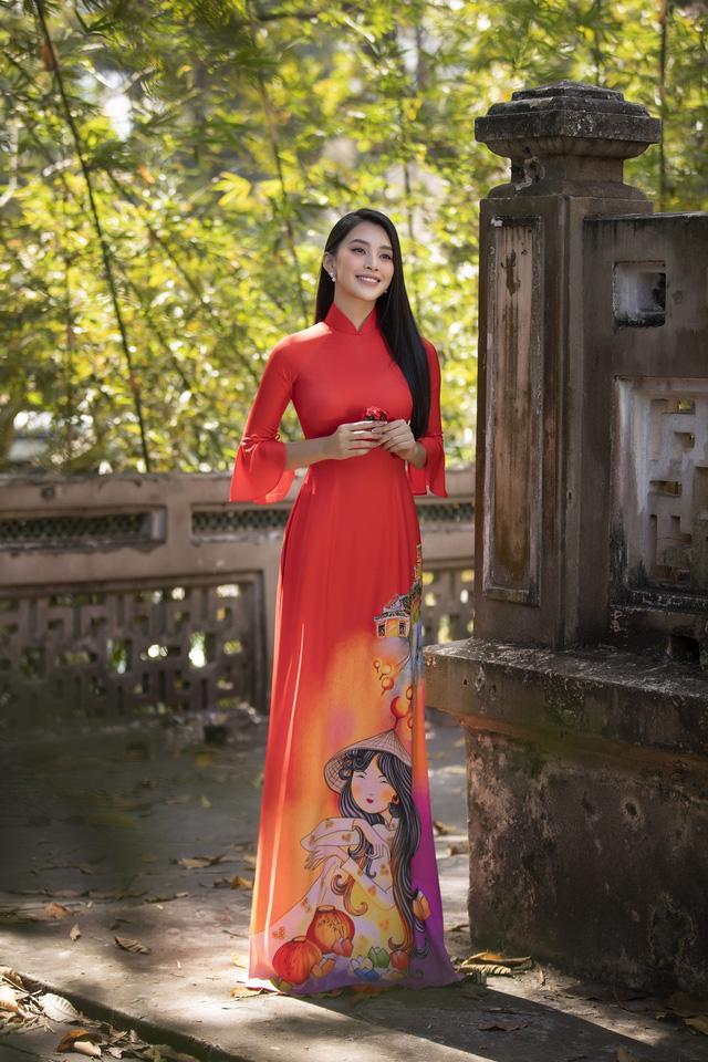 Cùng Hoa hậu Tiểu Vy bắt trend xu hướng áo dài Tết năm nay - Ảnh 2.