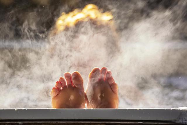 Có mối liên hệ giữa việc tắm nước nóng và lượng đường trong máu? - Ảnh 2.