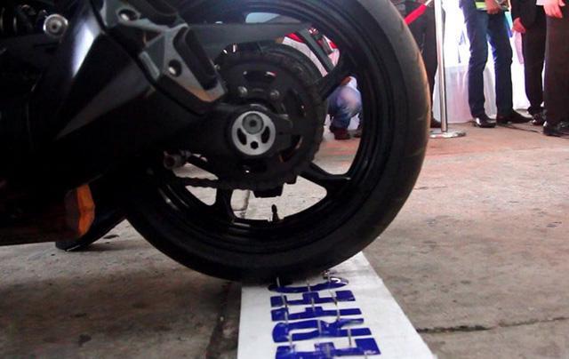 Công nghệ lốp xe chống 'đinh tặc' về Việt Nam - Ảnh 2
