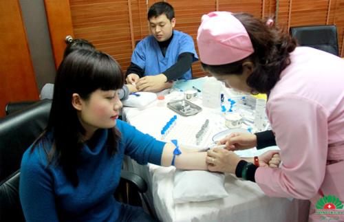 Bệnh viện Hồng Ngọc ưu đãi 40% gói khám sức khỏe công ty - Ảnh 1