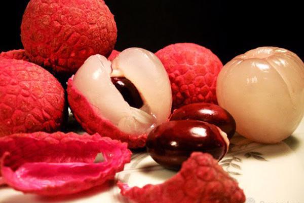 Tuyệt chiêu ăn quả vải thỏa thích mà không bị nóng - Ảnh 1