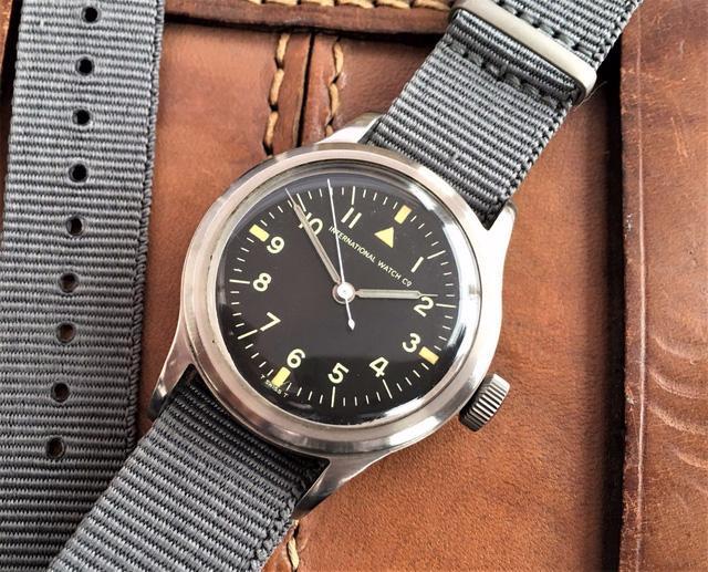 IWC Pilot's Watch Mark 11: chiếc đồng hồ phi công kinh điển - Ảnh 1.