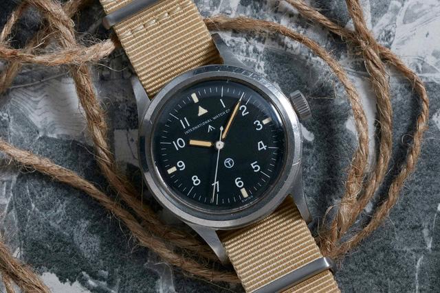 IWC Pilot's Watch Mark 11: chiếc đồng hồ phi công kinh điển - Ảnh 2.