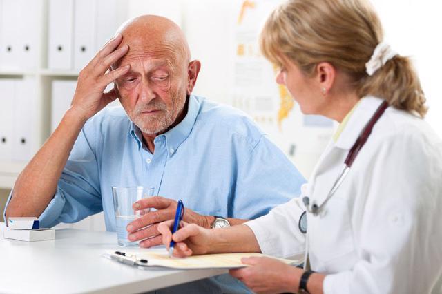 Điều trị bệnh sa sút trí tuệ ở người cao tuổi cần phát hiện sớm - Ảnh 1.