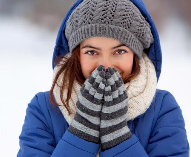 8 bộ phận cơ thể cần giữ ấm vào mùa đông - Ảnh 1.