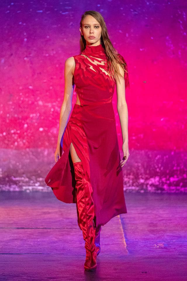 9 xu hướng nổi bật từ sàn diễn Paris Fashion Week 2021 - Ảnh 21.