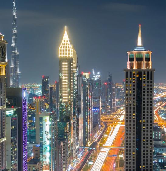 Tham quan khách sạn chọc trời tại Dubai - Ảnh 1.