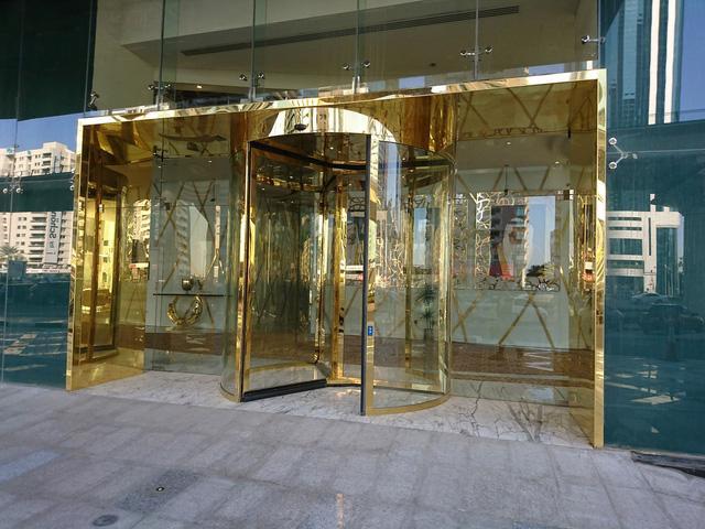 Tham quan khách sạn chọc trời tại Dubai - Ảnh 9.