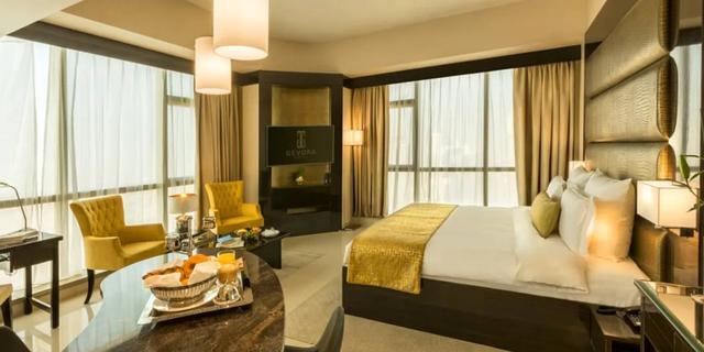 Tham quan khách sạn chọc trời tại Dubai - Ảnh 4.