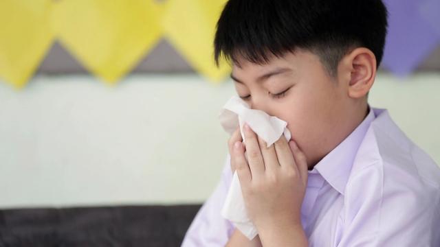 Giao mùa, củng cố hệ miễn dịch cho trẻ - Ảnh 1.