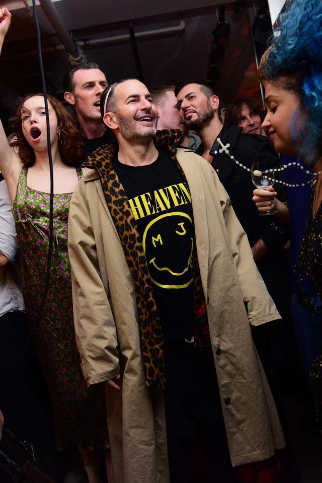 Tranh chấp bản quyền giữa Marc Jacobs và Nirvana vẫn tiếp diễn - Ảnh 3.