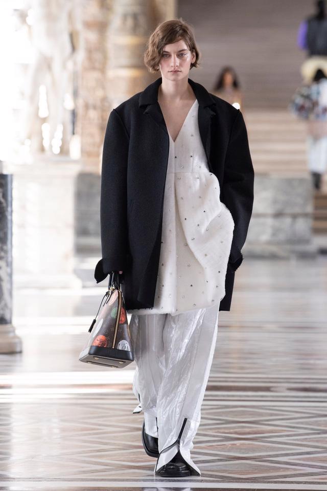 BST Thu Đông 2021 của Louis Vuitton: thành công của Nicolas Ghesquière - Ảnh 12.