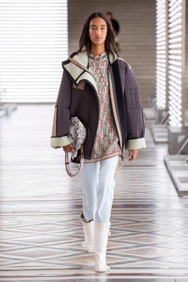 BST Thu Đông 2021 của Louis Vuitton: thành công của Nicolas Ghesquière - Ảnh 4.